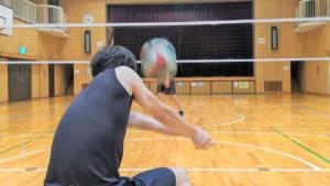 【目指せ守護神!】バレーボールで強打レシーブ(ディグ)が必ずキレイに上がる3つのコツと練習方法!